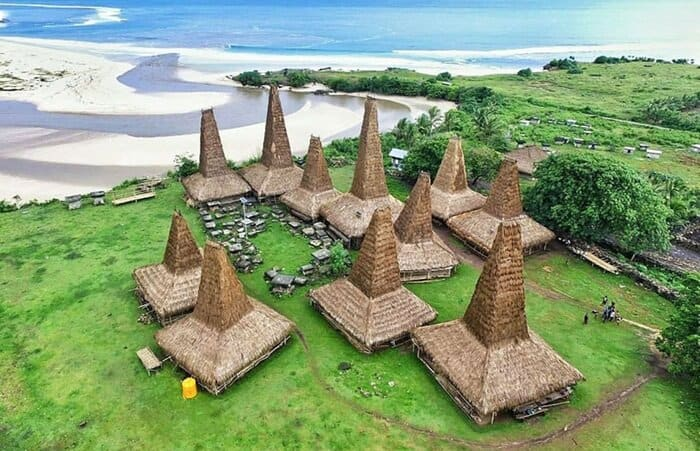 11 Tempat Wisata Sumba, Keindahan Tersembunyi di Pulau ...